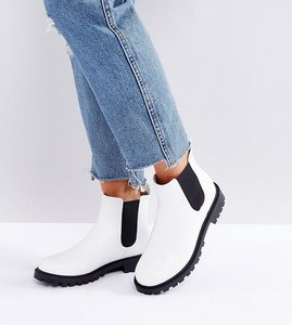 Read more about Monki chelsea boots - white