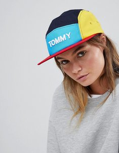 Read more about Tommy hilfiger logo cap in colour block - navy blazer mix