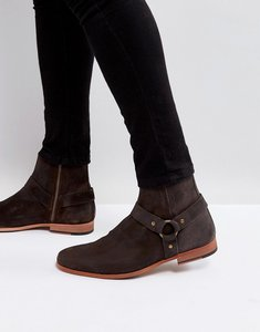Read more about Asos chelsea boots in brown leather with metal buckle detail - brown