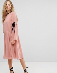 Read more about Vero moda tie sleeve skater dress - pink