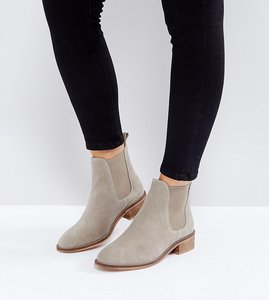 Read more about Asos absolute wide fit suede chelsea ankle boots - sand