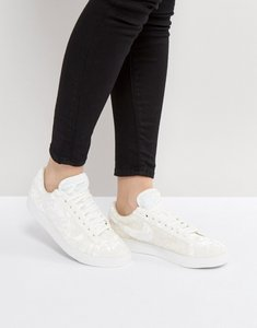 Read more about Nike velvet blazer trainers in white - white