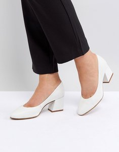 Read more about Asos spearmint leather heels - white