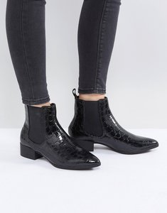 Read more about Monki croc pointed chelsea ankle boot - black