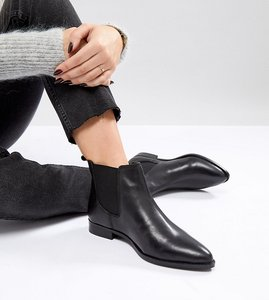 Read more about Asos automatic wide fit leather chelsea boots - black leather