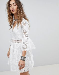Read more about Kiss the sky lace jaquard dress - white