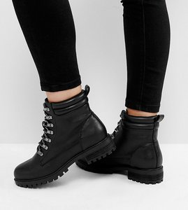 Read more about Asos absinthe wide fit lace up ankle boots - black