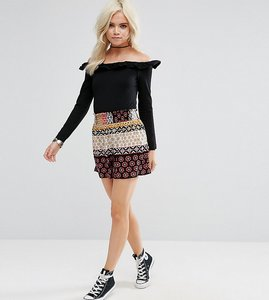 Read more about Glamorous petite shorts in contrast gio print - multi