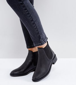 Read more about Asos absolute wide fit leather chelsea ankle boots - black leather