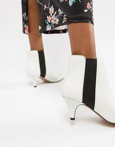 Read more about Asos design ramona kitten heeled boots - white pu