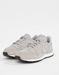 factory price 659d6 b3807 Read more about Nike internationalist se trainers in green aj2024-200 -  green