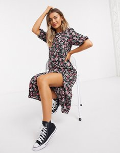 Read more about New look puff sleeve belted midi dress in black floral print