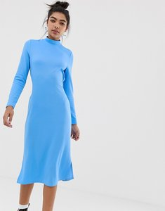 Read more about Noisy may tie detail dress-blue