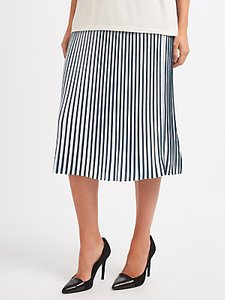 Read more about Weekend maxmara vosci pleated skirt white