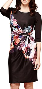 Read more about Yumi nouvea floral jersey dress black