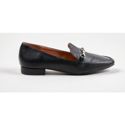 The Sophisticated Shoes To Add To Your Collection. A Patent Finish And Trim Detailing Bring Instant Style, Whilst A Sleek Black Hue And Easy Slip On Design Will Have You Wearing These On-Repeat.  Heel Height: 15Mm Standard Fit Flat Shoe 100% Polyurethane.