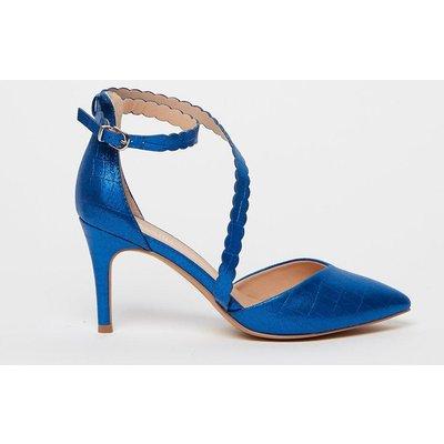 Scalloped Strap Court Shoe