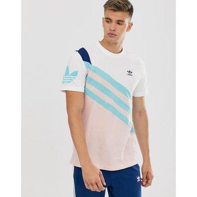 ADIDAS adidas Originals - Gestreiftes T-Shirt mit Logo am Arm in Weiß-Bunt - Mehrfarbig