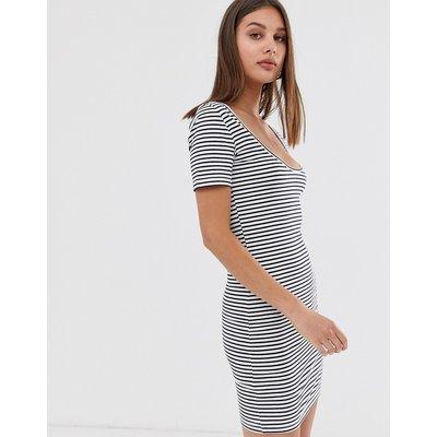 ONLY Only - T-Shirt-Kleid mit U-Ausschnitt - Grau