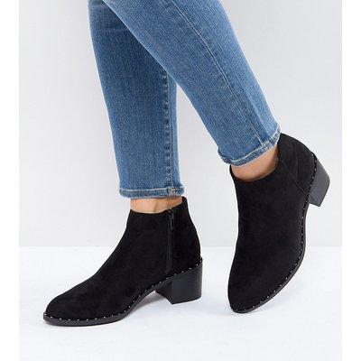 NEW LOOK New Look - Chelsea-Stiefel mit Nietendetail und tiefem Blockabsatz - Schwarz