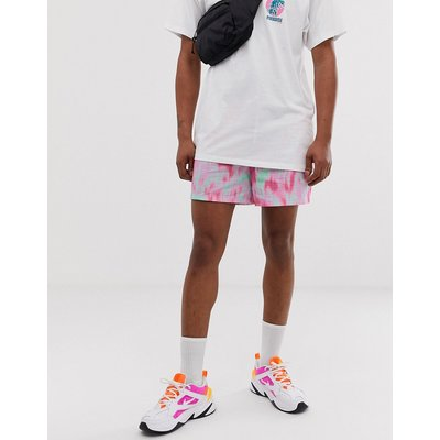 RIVER ISLAND River Island - Seersucker-Shorts in Rosa mit Batikdesign - Rosa