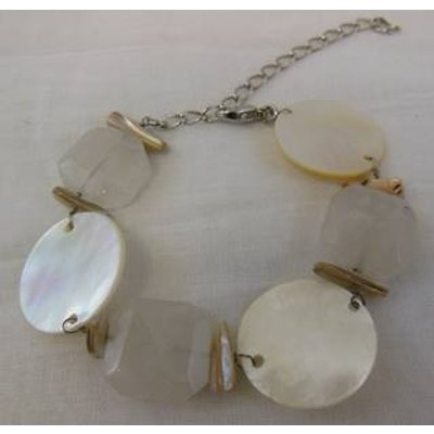 Quartz and Mother of Pearl bracelet Unbranded - Size: Small - Cream / ivory