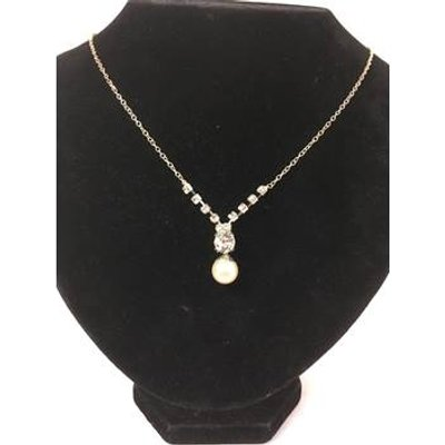 Women's necklace. Unbranded - Size: Medium - White - Necklace