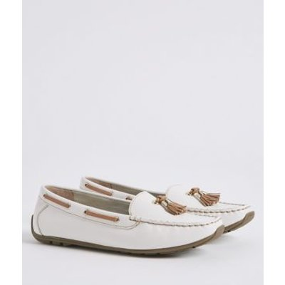 M&S Womens Wide Fit Leather Tassel Boat Shoes - 8.5 - White, White