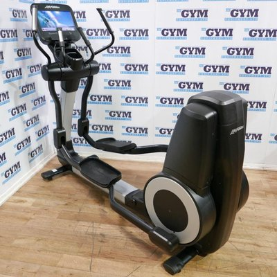 Life Fitness Refurbished 95X Elevation Series Discover SE Cross Trainer