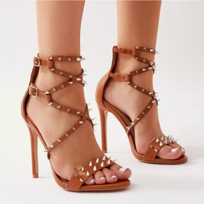 Amore Spiky Heels, Tan