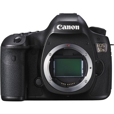Canon EOS 5DS kit with 24-105mm f4L IS II Digital SLR Camera