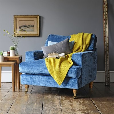 Evesham Love Seat - Crushed Velvet