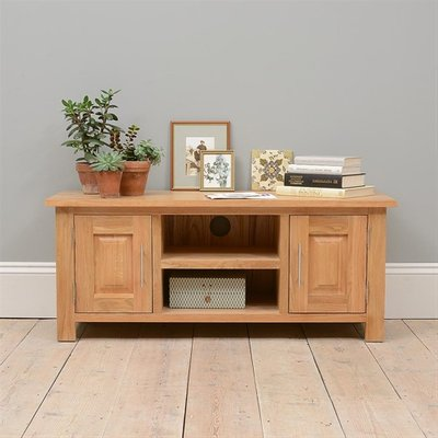 Newark Oak Wide TV Cabinet with 2 Doors - up to 53