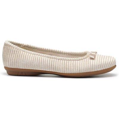 Charming Slippers - Buttermilk - Standard Fit