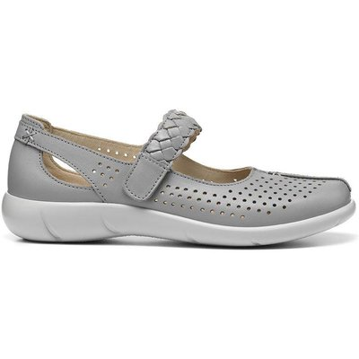 Quake Shoes - Pearl - Wide Fit
