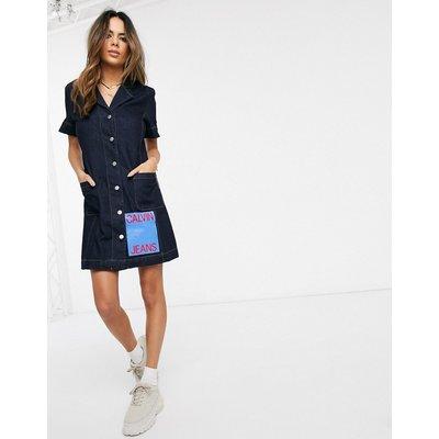 Calvin Klein – Durchgeknöpftes Jeanskleid mit Logoaufnäher-Navy