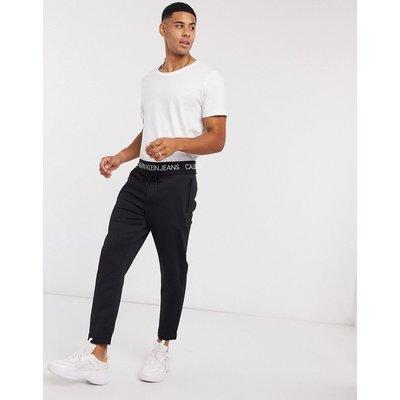 Calvin Klein Jeans – Jogginghose mit Logobund-Schwarz