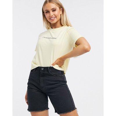 Calvin Klein – Kurz geschnittenes T-Shirt mit Logo vorn-Blau