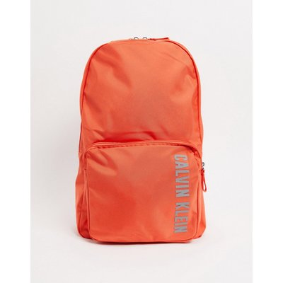 Calvin Klein – Performance – Rucksack mit Logo in Koralle-Orange