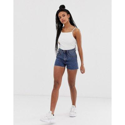 Cheap Monday – Donna – Denim-Mom-Shorts mit ausgefranstem Saum-Blau