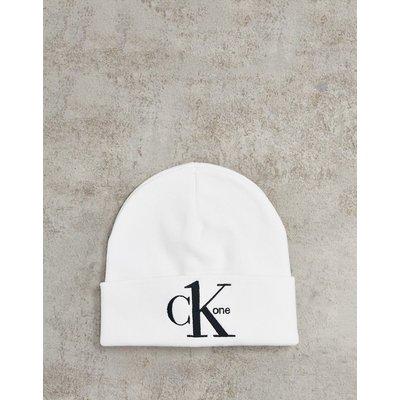 CALVIN KLEIN CK One – Strickmütze in Weiß