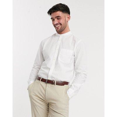 French Connection – Einfarbiges Hemd mit Großvaterkragen in schlanker Passform-Weiß