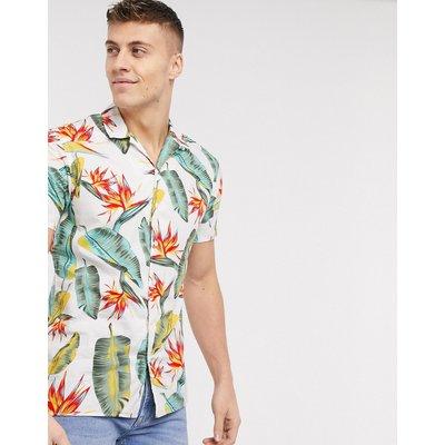 Jack & Jones – Essentials – Kurzärmliges Hemd mit tropischem Muster-Weiß