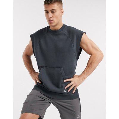 Reebok – Combat – Verwaschenes, ärmelloses Sweatshirt mit Rundhalsausschnitt in Grau