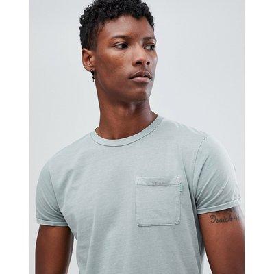 Scotch & Soda – Stückgefärbtes T-Shirt mit Brusttasche und kleinen Designs-Grau
