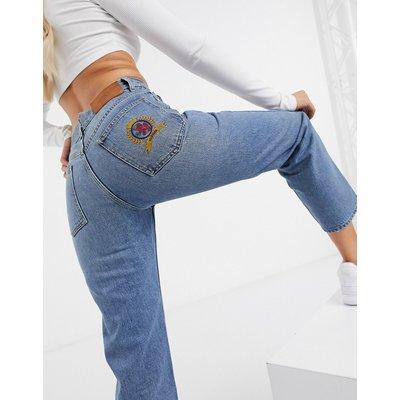 TOMMY HILFIGER Tommy Hilger Collections – Gerade geschnittene Jeans in Mittelblau mit Wappen
