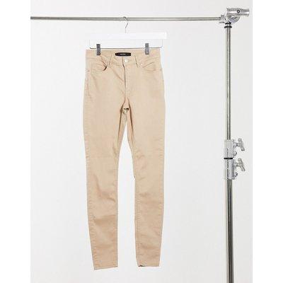 Vero Moda – Enge Jeans in Braun   VERO MODA SALE