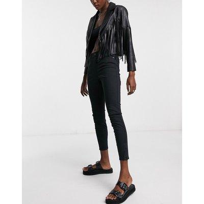 Vero Moda – Enge Jeans in Schwarz | VERO MODA SALE