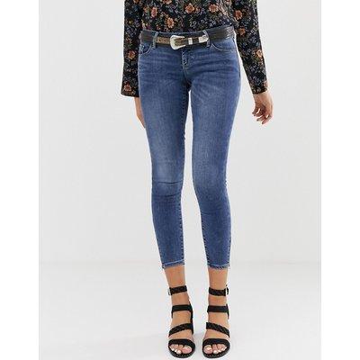 Vero Moda – Enge Jeans in verwaschenem Blau