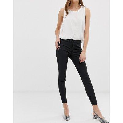 Vero Moda – Enge Jeans mit hoher Taille-Schwarz